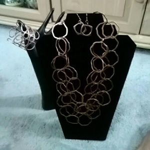 Premiere Design Jewelry Set